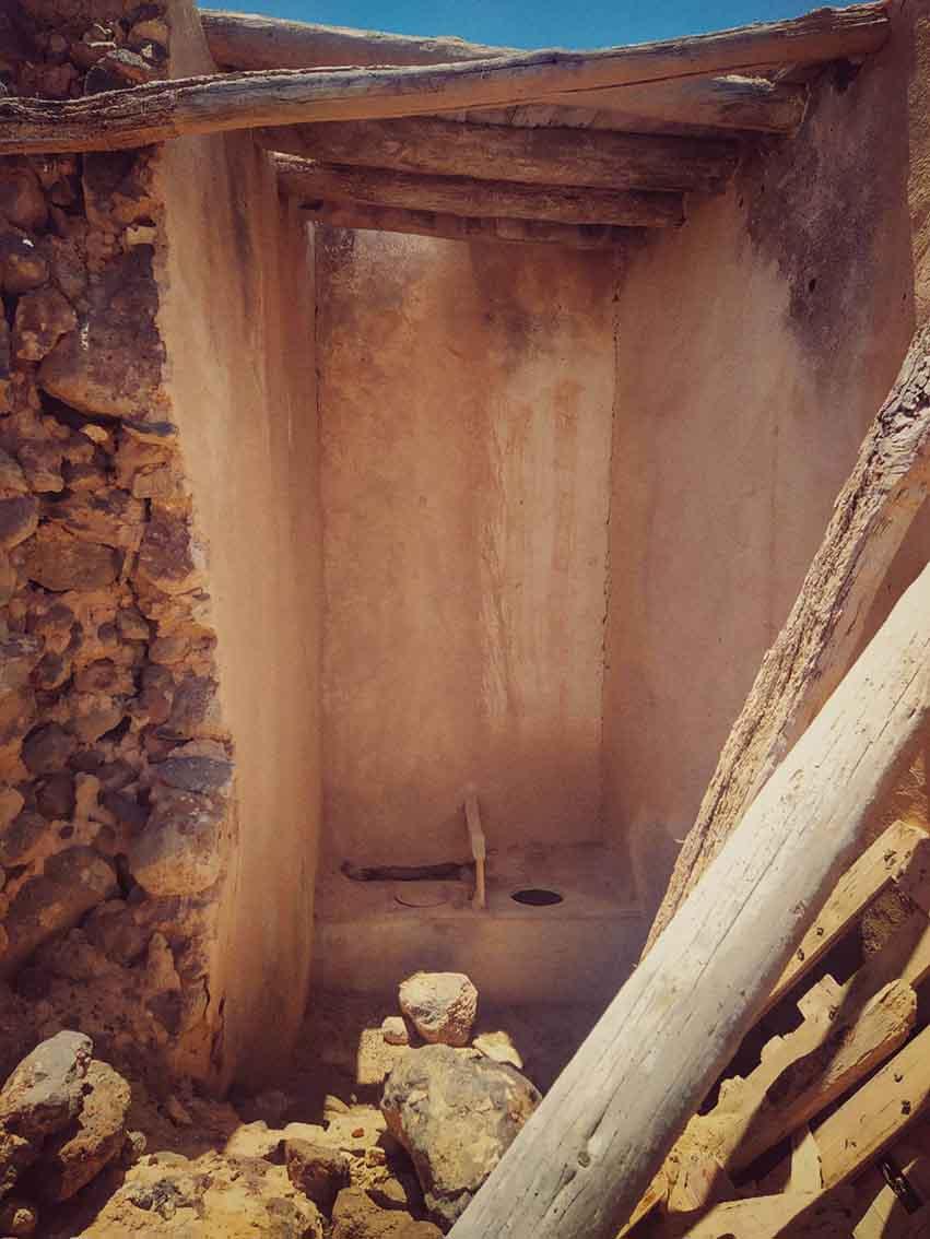 Particular de la chimenea. Homicidio en Lanzarote. Lugares abandonados.